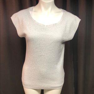 NWT women's sleeveless blouse